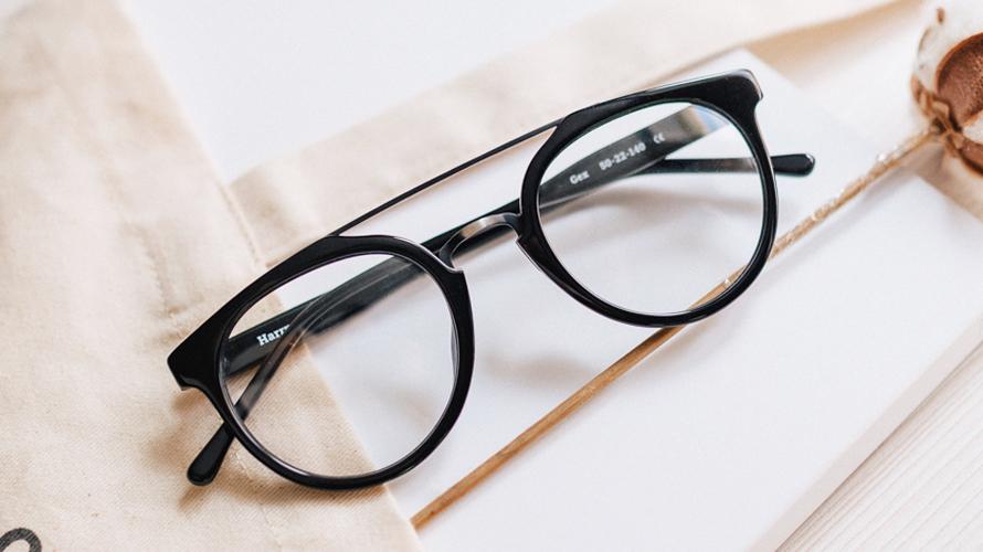 Какие очки лучше стекло или пластик